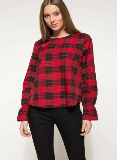 DeFacto Kolları Volan Detaylı Ekoseli Bluz Kırmızı